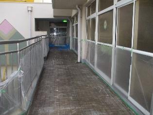 開放廊下施工前